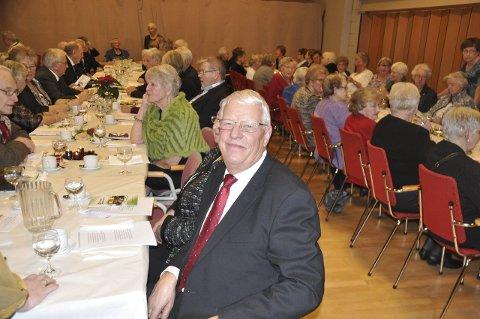 Jubileum: Kåre Skulbru har ledet Vestvågøy pensjonistforening siden 2012. Ca. 90 deltok på 50-årsjubileet for etableringen av den første pensjonistforeningen i Vestvågøy. foto: magnar johansen
