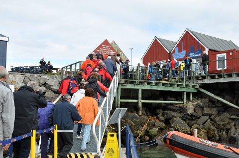 MANGE PÅ BESØK: I år kom rundt 70.000 personer med cruiseskip for å besøke Lofoten