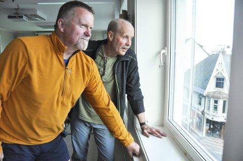 Ser framover: Jann Engstad i Lofoten Aktiv As og Arne Eivind Paulsen i Kabelvåg skiklubb ivrer for at mange aktører går sammen for å til rette legge Lofoten som turdestinasjon både for fastboende og turister. Det haster, mener de. Foto: Ingvil V. Tallaksen