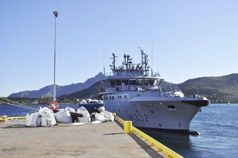 To tonn søppel: Kystvakten har levert fra seg søppelet og setter kurs mot nye oppdrag.