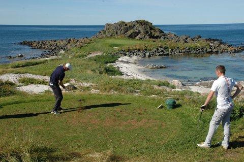 Mer spektakulært kan det knapt bli på en golfbane.