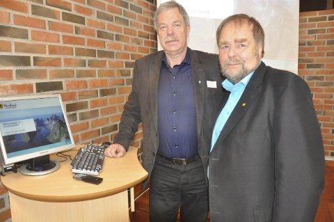 Samarbeid: Arve Knutsen (t.h.) er fornøyd med omstillingsarbeidet i Flakstad. Her sammen med ordfører Stein Iversen.
