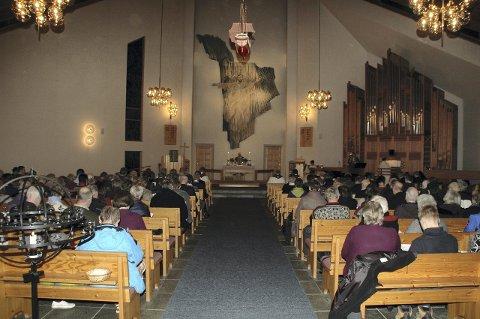 Gudstjeneste: Mange deltok i avskjedsgudstjenesten.
