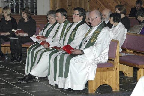 Høytidelig: Mange kollegaer benket til gudstjeneste.