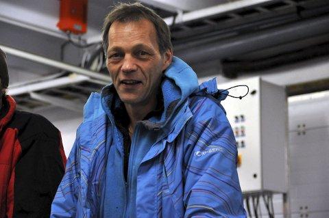 Positivt: Harald Johansen driver fiskebruket og dagligvarebutikken på Ramberg. Nå planlegger han leiligheter for salg i andre etasje på Varehuset. – Vi ønsker flere innbyggere, men boliger er en utfordring, sier Johansen.foto: KAI NIKOLAISEN