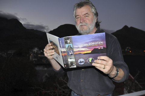 Kjærligheten til naturen: Robert Walker på Sørvågen lanserte denne uken «Det ville LOFOTEN». – Den er et resultat av et 40 års langt kjærlighetsforhold til Lofot-naturen, sier forfatteren fra Leeds som har bodd i Moskenes siden slutten av 1970-tallet. foto: magnar Johansen