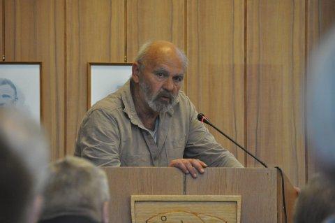 Svarer: Frits Blix Hansen svarer i et leserinnlegg etter debatten om sosialhjelp og barnetrygd i kommunestyret i Vågan mandag.