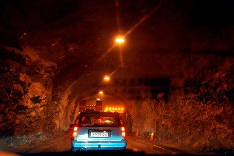 Det har i løpet av høsten pågått vedlikeholdsarbeid i en rekke tunneler i Lofoten. Denne uken er det Tangstadtunnlen.