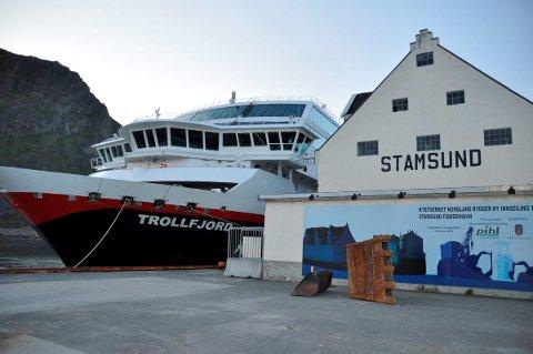 Nekter å betale: Stamsund er eneste havn der Hurtigruten nekter å betale anløpsavgift. Nå har kommunen tatt ut forliksklage mot selskapet for å få pengene. –