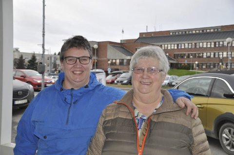 NYTT: –Det er første gang vi arrangerer konsret og vi håper på mye folk, sier Rita Jorun Berger og Johanne Grønbech i Håpet Helselag.
