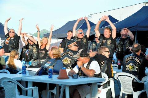 Torgparty: Svolvær torg skapte den riktig ramme for «bikerne» i HOG da 1200 møttes i 2010.