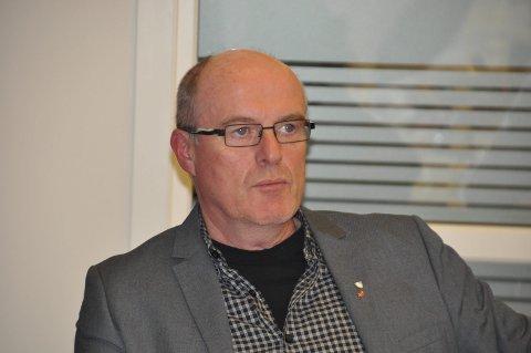 Flere valg: Værøy-ordfører Dagfinn Arntzen deltar i forhandlingsmøte om sammenslåing med Moskenes, Flakstad, Vestvågøy og Vågan fredag.