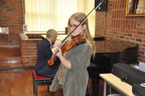 TALENT: Michelle Skog Johansen fra Gravdal prøvespilte i helgen for å delta i musikkopplæring av unge talenter ved Musikkonservatoriet i Tromsø