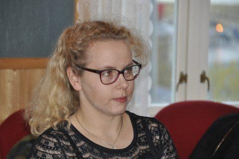 Bør ha is i magen: Kristine Knutsen Friis (Flakstad Distriktsliste) gikk mot egen gruppe, og opprettholdt Napp skole.  Jeg gikk til valg på at Napp skole skal bestå til elevtallet synker ytterligere eller Bainveien er på plass, sier Friis. FOTO: MAGNAR JOHANSEN