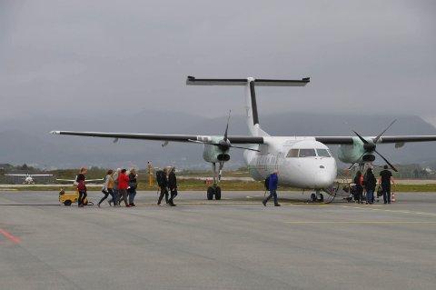 ADVARER: Avinor advarer mot at fire foreslåtte oppdrettslokaliteter kan utgjøre fare for flytrafikken til og fra Leknes.