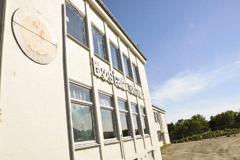 SKOLETID: Bøstad skole, hva skal skoletiden brukes til? Foto: Lise Fagerbakk
