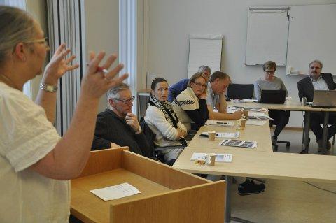 Fornøyd: Moskenes-ordfører Lillian Rasmussen stemte nei til sammenslåing i folkeavstemningen. Hun er fornøyd med at et stort flertall av de ca. 49 prosent som stemte ga politikerne et klart råd. – Når valgdeltakelsen var såpass lav, er det en fordel at resultatet gir kommunestyret et entydig råd, sier hun. foto: MAGNAR JOHANSEN