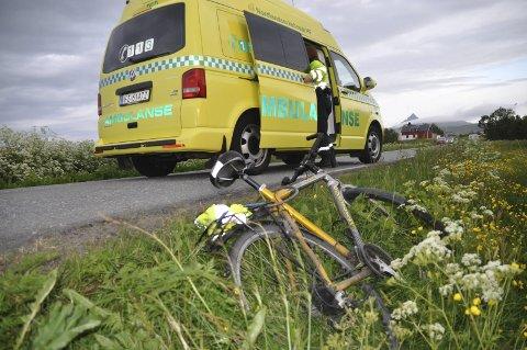 SYKLIST: Syklisten ble presset i grøfta. Foto: Kai Nikolaisen