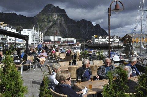 Byutvikling: Juryen mener at Svolværs utvikling bærer preg av byens tradisjon som et tett sentrum henvendt mot havet. Foto: Gullik Maas Pedersen  kaipromenade