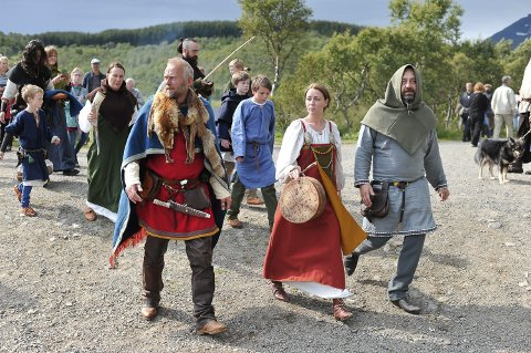 Lofotens turistmagnet: Vikingmuseet Lofotr passerte 25 millioner kroner i omsetning i fjor. Nesten 80.000 var innom. I år regner daglig leder Ole Martin Hammer med besøksrekord. Bildet er fra fjorårets vikingefestival. Årets festival starter 3. august.