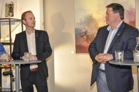 Vågan og Vestvågøy: Ordførerne Remi Solberg (Ap, t.v.) og Eivind Holst (H) leder hvert sitt regionsenter i Lofoten. Nå vil Nordland fylkeskommune ha innspill fra Vågan og Vestvågøy om de r i stand til å ta imot statlige arbeidsplasser. ARKIVFOTO: LISE FAGERBAKK