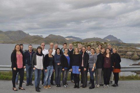 Samlet: Her er deltakerne samlet før work shopen i Mortsund.  Foto: Privat