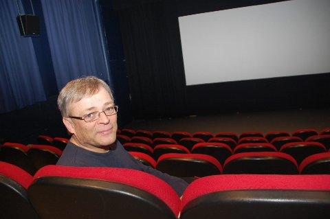 Babykino: – Vi prøver oss med moderat lyd, litt lys i salen og slik at de små kan være med på kino, sier kinosjef Paul-Einar Olsen ved Origo kino.