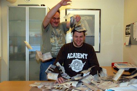 Leif Klausen og Kai Nikolaisen hadde mye å holde styr på Tippemesterskapet 2012. Nå kommer papirkupongene tilbake!