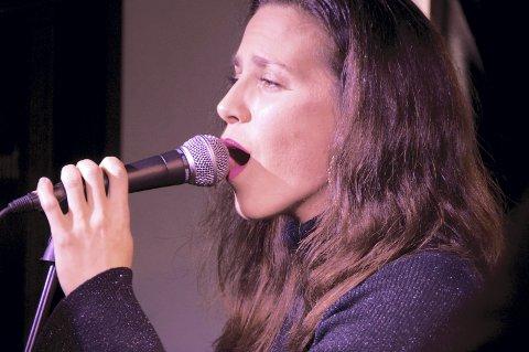 Går solo: Svolværs egen Birri har tatt steget ut som soloartist, og fylte Styrhuset til randen under Lofotjazz i fjor.