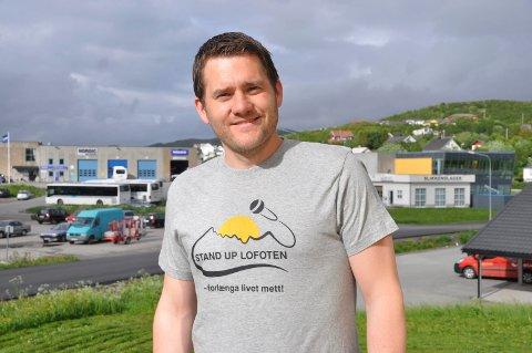 DUGNAD: Benjamin Einarsen inviterer til dugnad i Leknes sentrum mandag ettermiddag