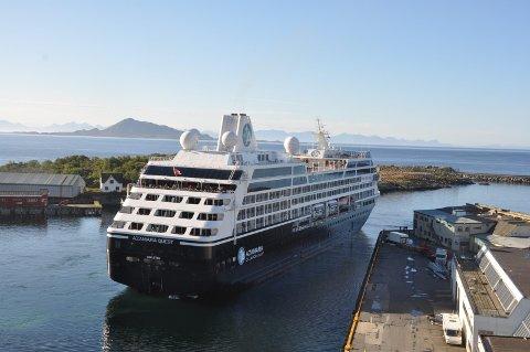 Cruiseskip: Fylkesmann i Nordland, Tom Cato Karlsen mener at man må se på beredskapen i sammenheng med den økende turismen, både til vanns og til lands.