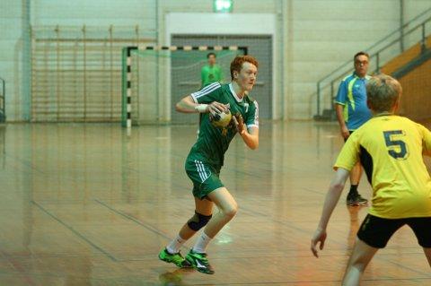 Marius Benjaminsen med nesa mot mål.