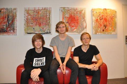 Svalestup med fra venstre Sverre Grønvold Bøe, Sigve Jacobsen Kvitvik og Ola Solberg Christoffersen.