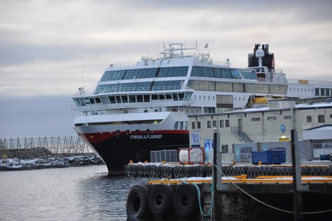 Trollfjord ankom Svolvær ti på tre torsdag ettermidag, etter verkstedopphold i Tyskland.
