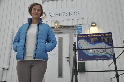 SKEPSIS: Agata Gasior er blant initiativtakerne til folkemøte i Moskenes om cruisebåtanløp. – Vi savner informasjon om konsekvensene av å få besøk av flere hundre passasjerer på en dag.