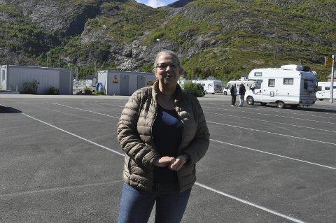 Fornøyd: Moskenes-ordfører Lillian Rasmussen er svært fornøyd med at Statens vegvesen og Torghatten seter inn en tredje ferge i sambandet Bodø–Moskenes i juli. Bakgrunnen er at antall passasjerer har økt med 50 prosent siden 2013, og 17 prosent bare i fjor.–Jeg tror det er behov for en tredje ferge, mener Rasmussen. ARKIVFOTO: MAGNAR JOHANSEN