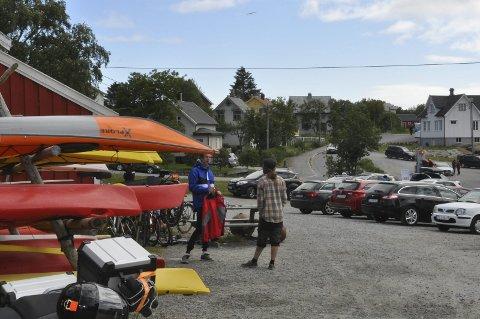 Typisk turiststed? Moskenes kommune mener Reine oppfyller kravene til å få status som typisk turiststed. Handel og Kontor i Nord-Norge er uenig. Fylkesmannen fatter avgjørelsen i løpet av våren. FOTO: MAGNAR JOHANSEN