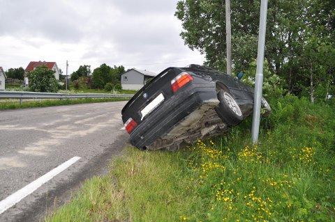 Bilen ble stående på en lyktestolpe