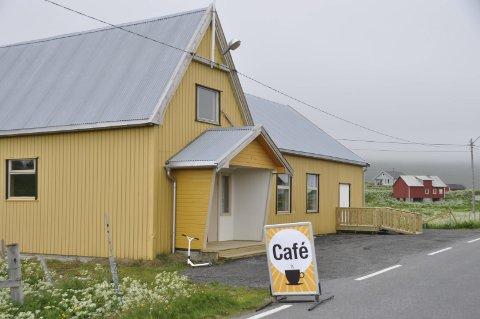 Sommerkafe: I sommer er Fredvang grendehus blitt til bygda nye kafe.