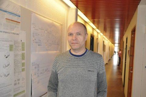 Nabokrav: - Det er neppe aktuelt for kommunen å kjøpe bolighuset, sier enhetsleder Karl Erik Nystad ved Plan og teknikk.  FOTO: MAGNAR JOHANSEN