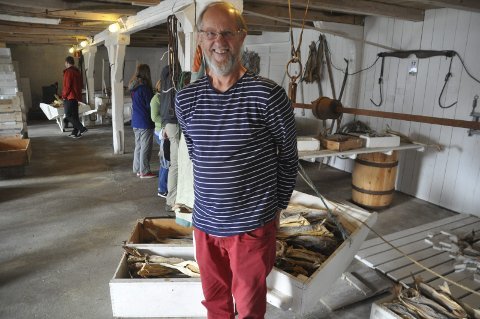 FORNØYD: Steinar Larsen har drevet Lofoten Tørrfiskmuseum på Å i 24 år. Arkivfoto