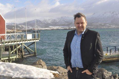 STILLER TIL DEBATT:  Tidligere Vestvågøy-ordfører Jonny Finstad.Foto: Magnar Johansen