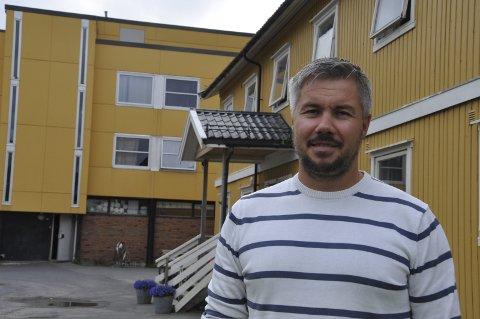 Overrasket: Selv om signalene har vært der, ble de ansatte og leder Ulf-Erik Johansen ved Svolvær mottak overrasket da nedleggelse kom. Foto: Gullik Maas Pedersen