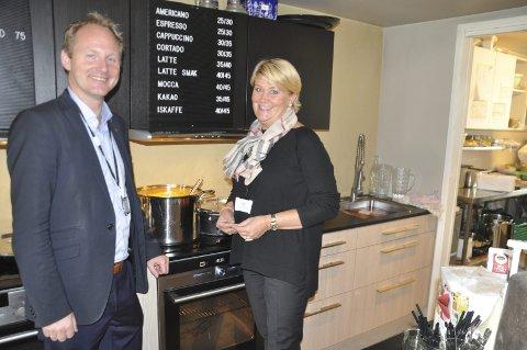 MATSENTER: Fylkesrådet behandler tirsdag om planleggingen av kulinarisk senter i Lofoten skal få 375.000 kroner. Fylkesråd for utdanning, Hild-Marit Olsen, lanserte ideen i fjor sammen med Vestvågøy-ordfører Remi Solberg. FOTO: MAGNAR JOHANSEN