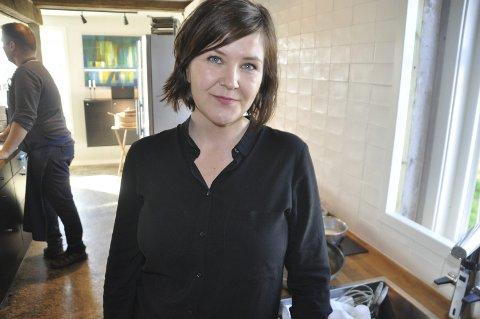 Gastronomiby: Bjørg-Elin Finstad har skrevet søknaden om status for Leknes som gastronomiby. Hun understreker at statusen i praksis skal gjelde for hele Lofoten. – At søknaden er sendt fra Vestvågøy for Leknes har å gjøre med Unescos krav til søknadene, sier Finstad som nylig startet i heltidsjobb i Lofoten Mat. FOTO: MAGNAR JOHANSEN