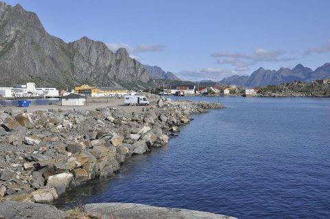 Purkholmen: Her vil det komme ei ny fylling ut i sjøen før Sjøsiden boligpark skal bygges på området som i dag er bobilcamp. Foto: Knut Johansen