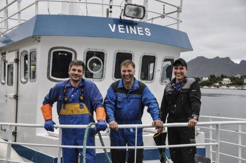 FORNØYD: Henrik, Ivar og Petter Myklebust er ut til å være svært så fornøyde med sin nye arbeidsplass. Begge foto: Kai Nikolaisen