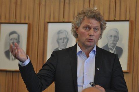 Vigsle: Rådmann Tommy Stensvik kan få rett til å vie brudepar.Foto:arkiv