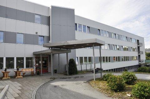Må beregne på nytt: Fylkesmannen slår fast at Vestvågøy kommune anvendte lovverket og beregningsgrunnlaget feil i forhold til en beboer. Kommunen mener forskriften om brukerbetaling bør vurderes juridisk.