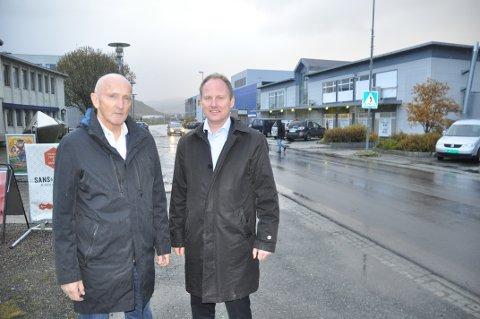 ENIGHET: Søren Fredrik Voie oppfordrer Vestvågøy-ordfører Remi Solberg og politisk ledelse i Lofoten enes om vei og flyplass.